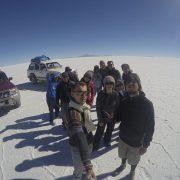 foto grupal salar de uyuni con gopro-TOUR SALAR DE UYUNI